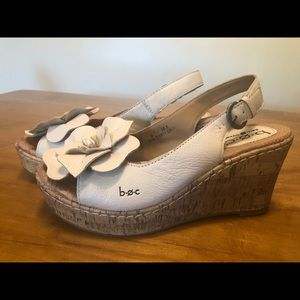 Born BOC off white cork wedge with flower. Size 6